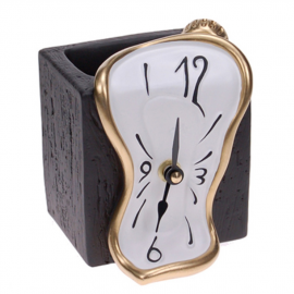 Pencil holder / clock